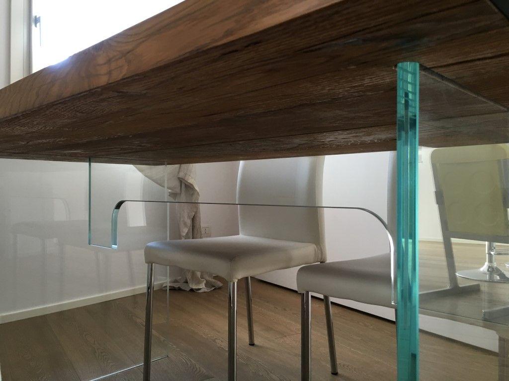 Tavoli Con Gambe Di Vetro : Mobili su misura e di design